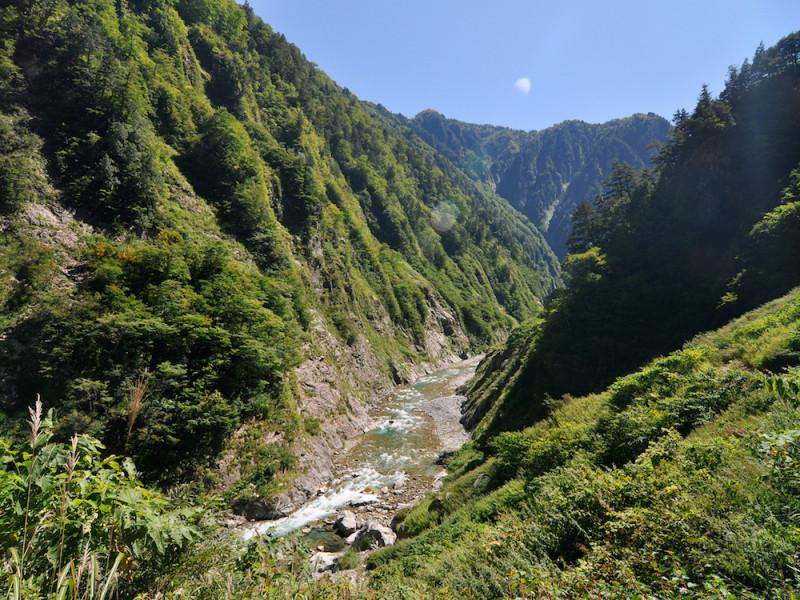 富山】断崖絶壁の絶景!黒部峡谷...