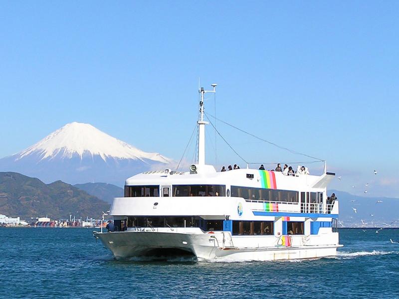 東京から日帰りで楽しめる、富士山の絶景クルーズ!