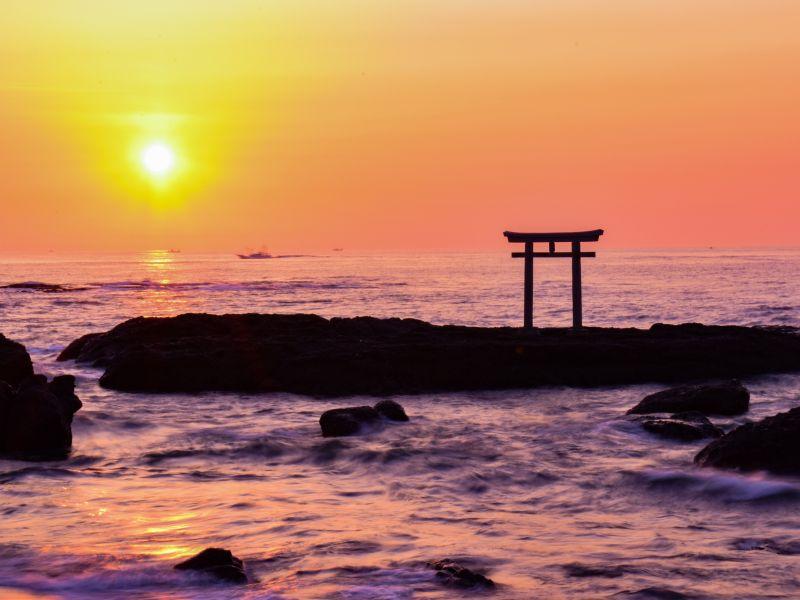 【茨城】朝日×鳥居の神々しい絶景!「大洗磯前神社」で日の出を見てきた