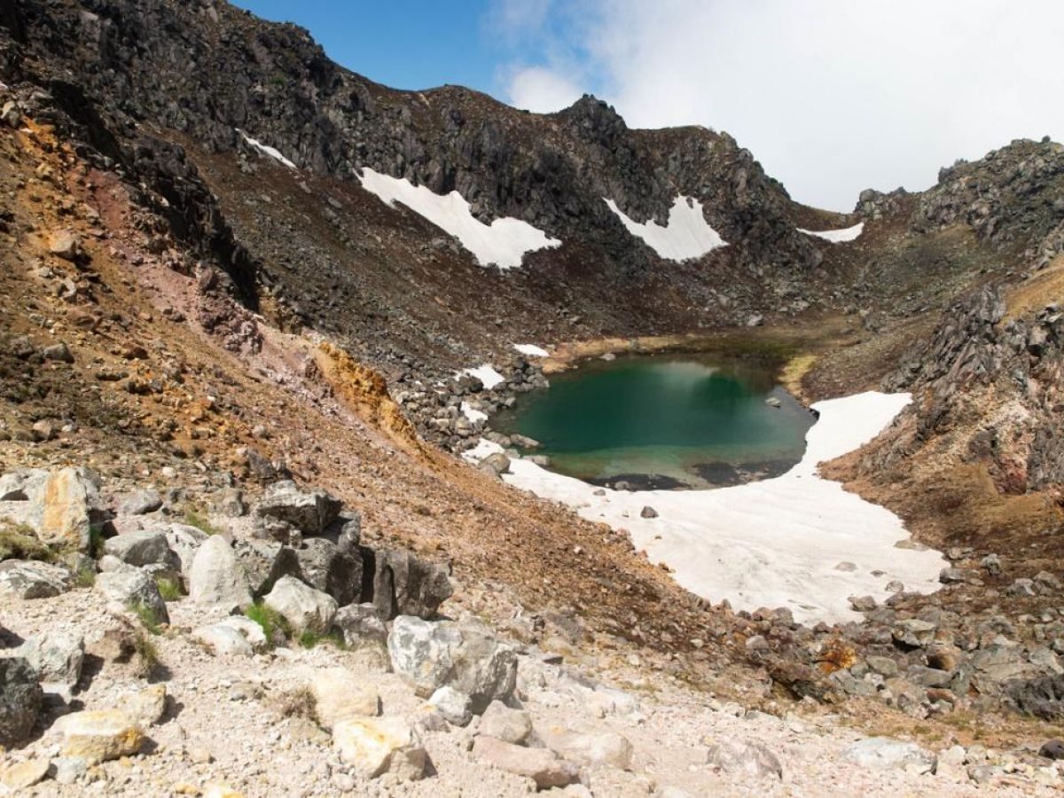 【登山】硫黄のニオイと絶景! 北アルプスの活火山・焼岳に登る