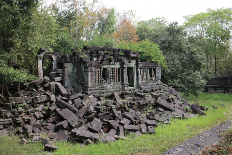 【カンボジア】ベンメリア遺跡とトンレサップ湖へ