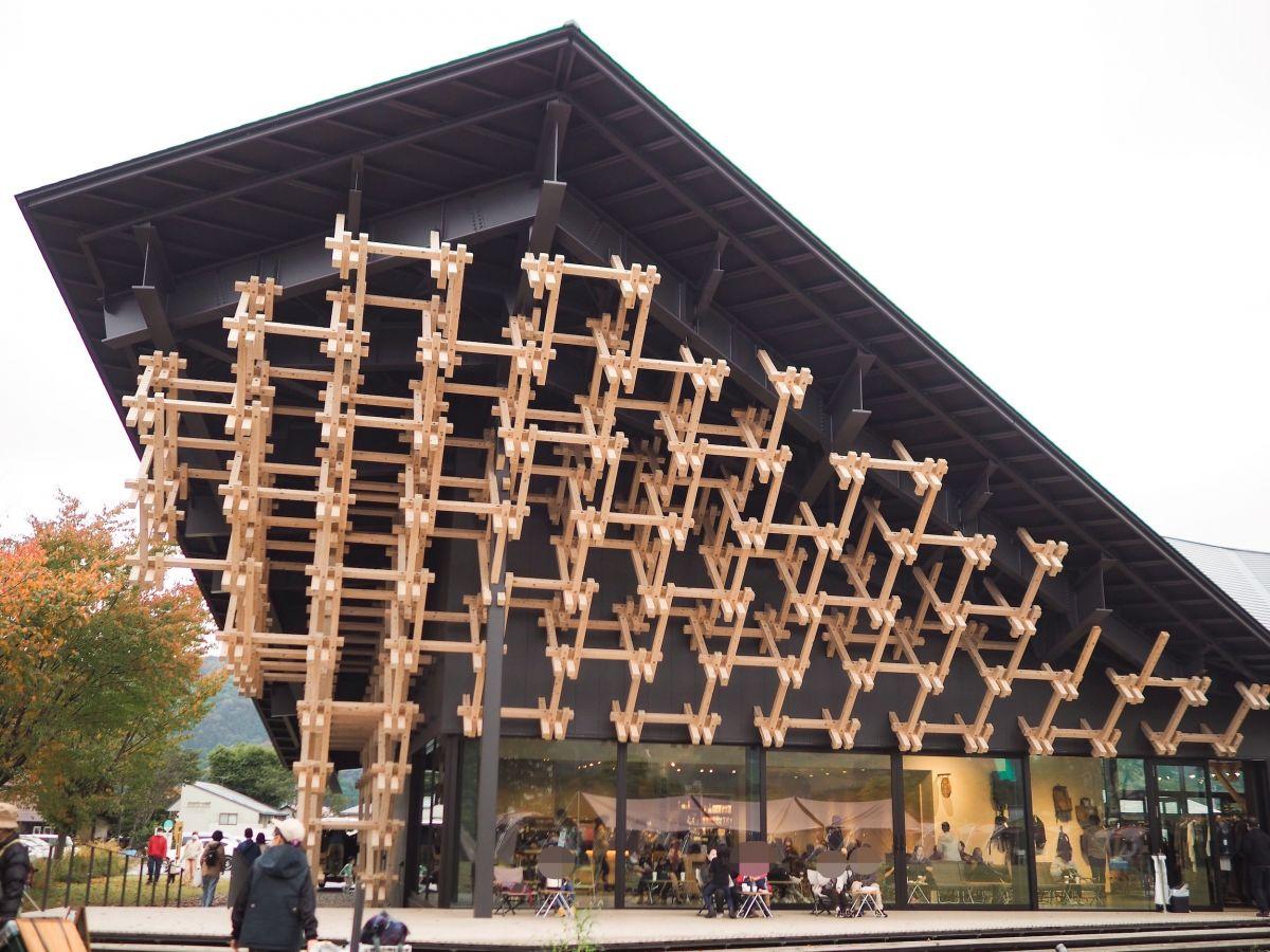 隈研吾氏デザイン・白馬にオープンしたスノーピークの複合施設