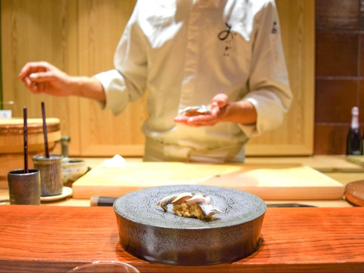 予約の取れない人気寿司店「鮨 おにかい」の3号店「鮨 うらおにかい」が八丁堀にオープン!